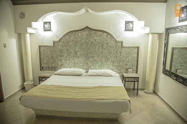 Cinco letras la guia de moteles en guadalajara for Jacuzzi 8 personas