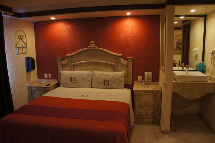 :: Cinco Letras :: La guia de moteles en Guadalajara